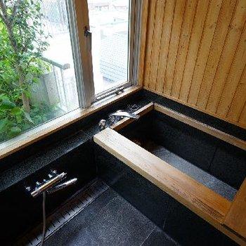 ルーバルには、なんとお風呂!!※前回募集時の写真です