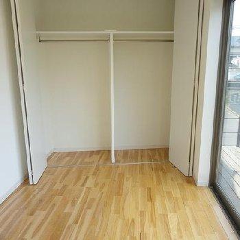 2階はこんな満足な収納も。※写真は別部屋です