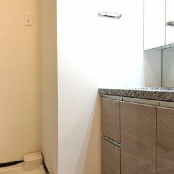お風呂前の洗面スペース