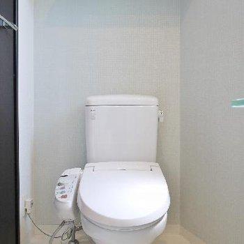 トイレは洗面スペースと一緒だけど広めの脱衣所。