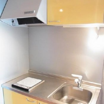 黄色いキッチン!※写真は別部屋。