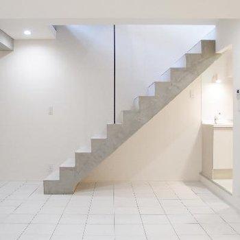 デザイナーズのお洒落な地下室