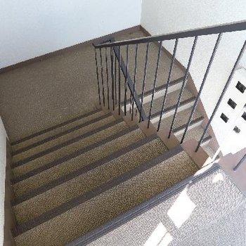 階段で4階まで!