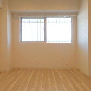 6帖の洋室。※画像は同テイストの別室