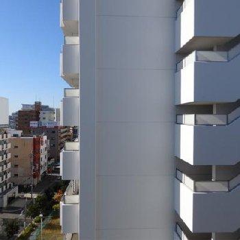 でもベランダ正面はマンションです。※画像は8階です。