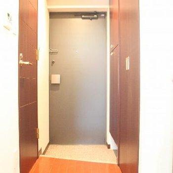 落ち着いた雰囲気が漂う玄関※写真は前回募集時のものです