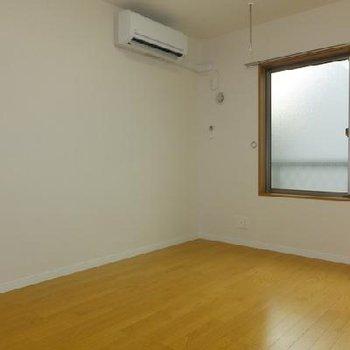 コンパクト、シンプルなお部屋