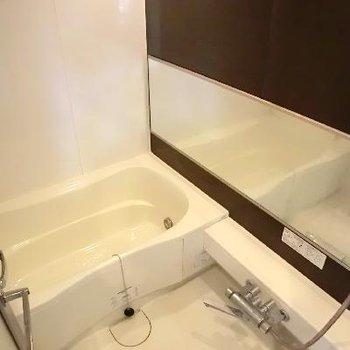 お風呂はゆったりです。