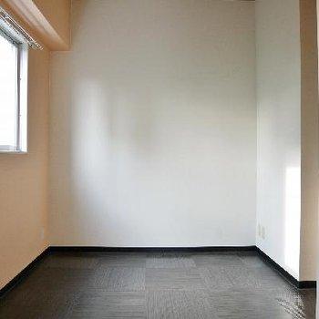 廊下やキッチンの後から入れるお部屋!