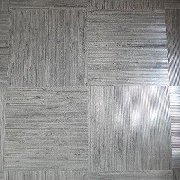 床材は全部屋このPタイルを使用!