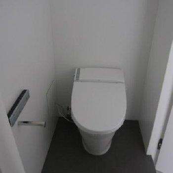 トイレ。 ※写真は別部屋