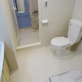 洗面所広々しております。※写真は同間取りの別部屋です。