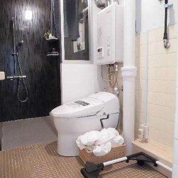 タイル張りのトイレ可愛い//
