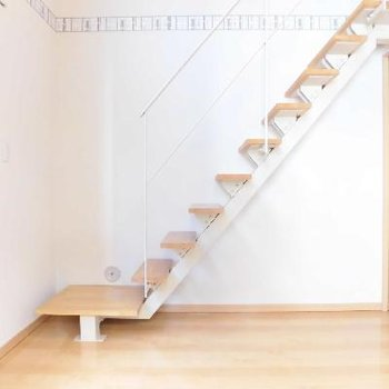 階段を登ると...