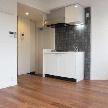 一人暮らしにちょうどいい大きさの1R※写真は2階の同間取りです