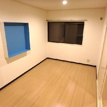 寝室スペースもゆったり空間ですね。