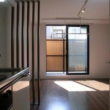 1階ですが南向きで日当たりばっちり※写真は別のお部屋です