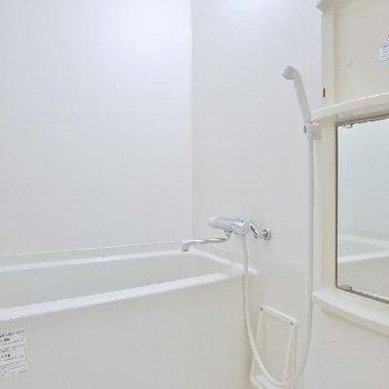 お風呂はシンプルに白!