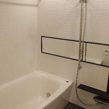 バスルームもシックで素敵!