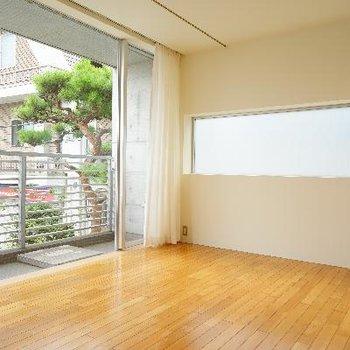 一面窓との2面採光で明るさ◎※写真は前回募集時のものです