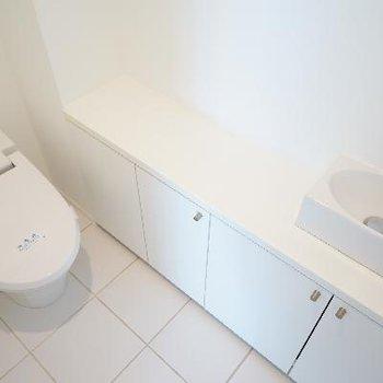 トイレもこちらに!お手洗いがあるのもポイント!