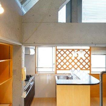 キッチンも良い空間に♪