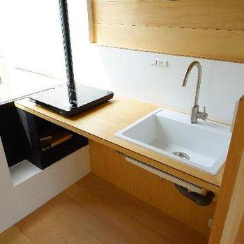 キッチンもシンプルで使い勝手良さそう!