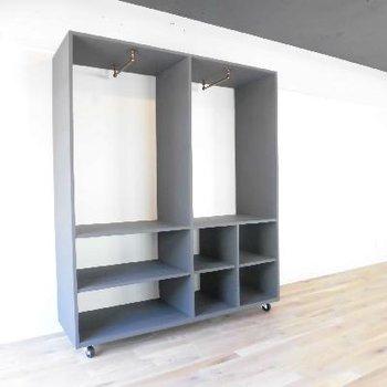 可動式クローゼットは天井と同じカラーです。※写真は前回募集時のものです