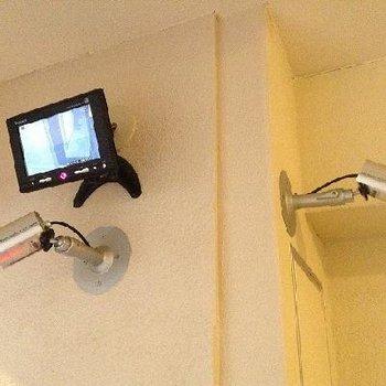 防犯カメラが沢山※写真は別部屋です