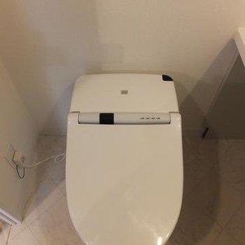 スマートなウォシュレットトイレ!※写真は別室