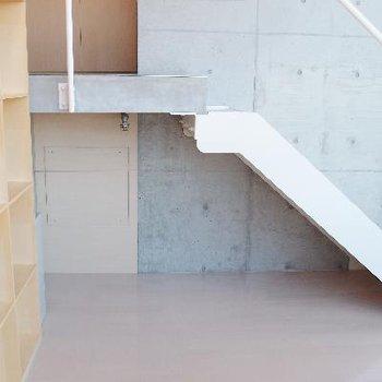 階段下にも収納出来ます
