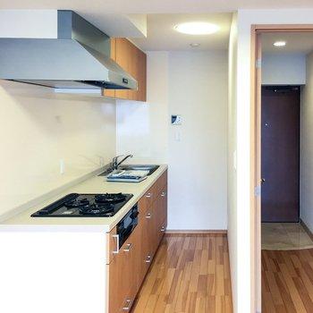 キッチンはリビングの手前側※前回募集時の写真です。