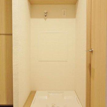 洗濯パンは玄関のすぐ横にあります!