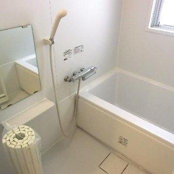 窓付きのお風呂です!!