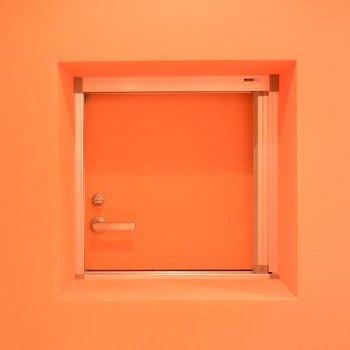 秘密の小窓は