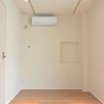 左の扉は秘密のホビールーム