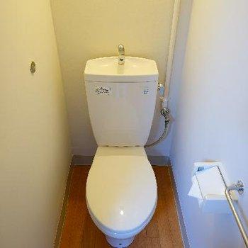 トイレは個室です♪