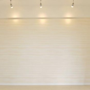 こっちの壁面はアクセントクロスを使用。