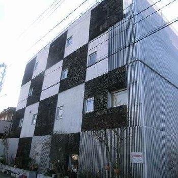 井口浩設計のデザイナーズマンション。
