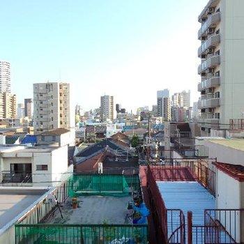 東区の懐かしいような、キレイなような街並み※写真は別部屋(5階)