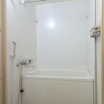 浴室乾燥機付きのお風呂です※写真は前回募集のお部屋