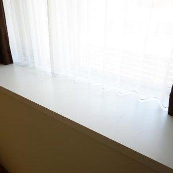 出窓もうれしいポイント♪※清掃中の写真です