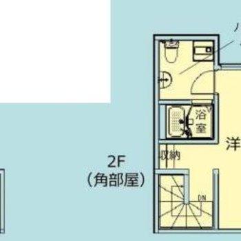 1階は玄関、2階に1Rです。