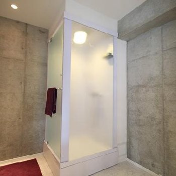 シャワーブースです。※画像は別室です