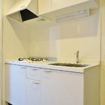 シンプルで上品なキッチン。