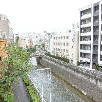 圧巻の神田川ビュー