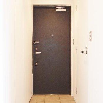 縦長の玄関
