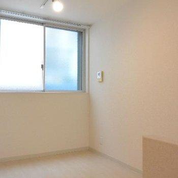 上のお部屋※画像は103号室のものです