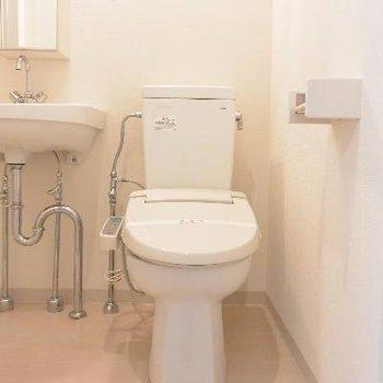 可愛いトイレに、※画像は103号室のものです