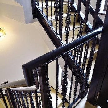 階段がとーーっても可愛い。